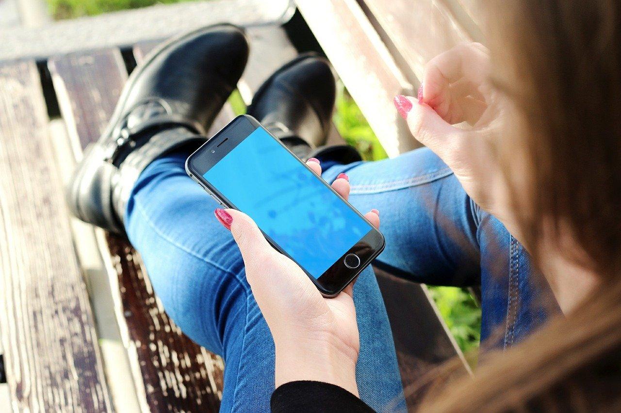 Ochrona wyświetlacza w telefonie