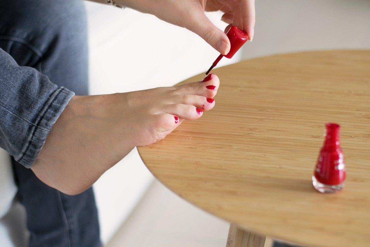 Domowa pielęgnacja stóp