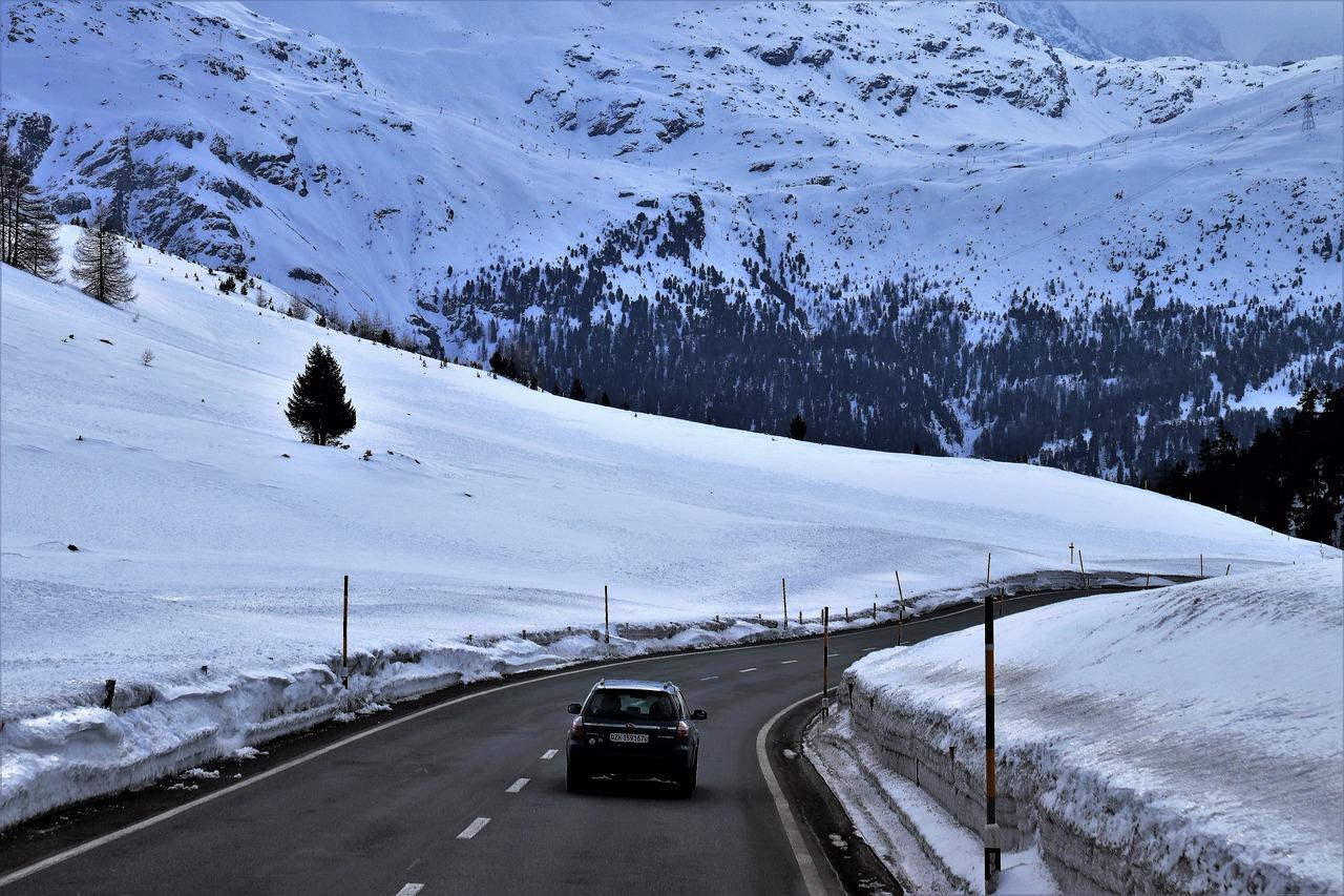 Zimowy rozruch samochodu